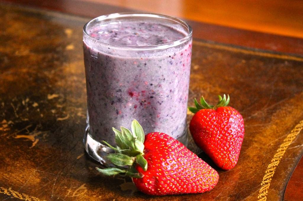 My Favorite Banana Berry Green Protein Smoothie