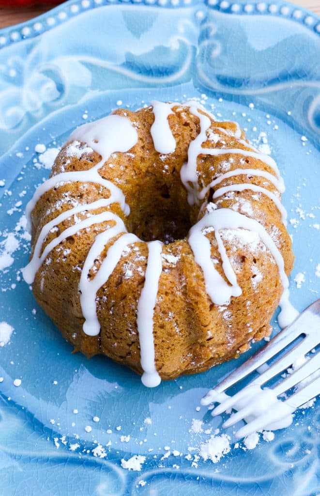 3-Ingredient Pumpkin Mini Bundt Cakes
